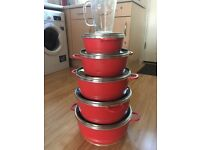 Set of pots and additional jug
