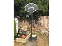 Reebok freestanding basketball hoop in really good condition