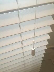 Wooden (white) Venetian blinds ( 176cm wide)