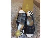 Ladies siz 6 hotter sandals