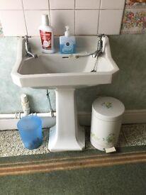 WHITE SQAURE BATHROOM SINK