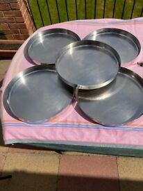 5 x Stainless Steel Plates and mixed stainless steel bowls
