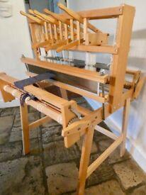 "32"", Ashford 4 shaft weaving loom, with 10 & 12 épi reeds"