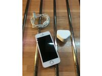apple iphone 5 SE 64gb unlocked and very good condition gold/white can deliver
