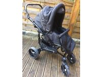 Great for winter venicci 3-1 travel pram system in black PUSHCHAIR With car seat & carry cot