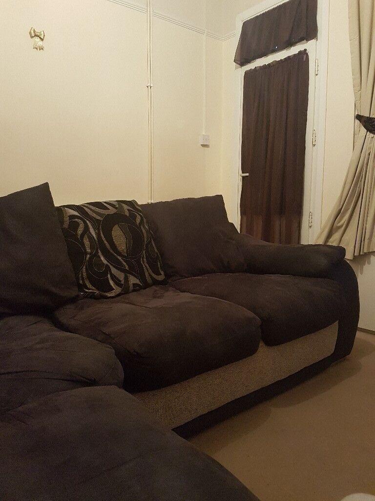 Sofa for sale. No burns, no tear, b23 6eg, burmingham. Text 07387205923