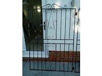 Chealsea Bow side gate