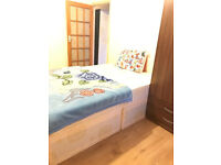A LARGE DOUBLE ROOM TO RENT IN EASTHAM INCLUDING ALL BILLS