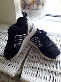 Toddler Adidas size UK 6,5