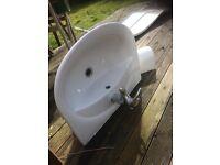 sink good quality Pondelerosa includes taps pedestall
