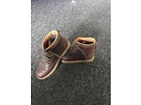 Brown boots size 6 ( excellent condition)