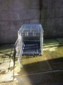 DOG CRATE FOR SMALL TO MEDIUM DOG