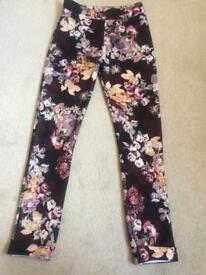 Boohoo NEW flower patterned leggins size 8