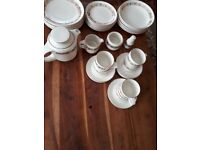 RUSSIAN CHINA TEA SET & DINNER PLATES. 32 PIECES GOOD COND.