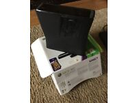 XBOX 360 4Gb with one controller, Original box. Make a nice Xmas gift. Fully working as new.