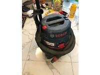 Bosch wet and dry dust extractor