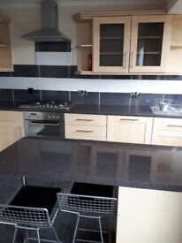 NEWLY REFURBISHED EN -SUITE PROPERTY TO RENT