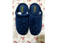 Ladies Slippers Size 7 Worn Once