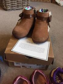 Girls (toddler) Official Ugg boots in size 6