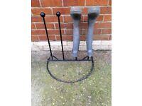 Black metal Wellington boot stand