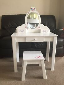 Girls Pretty Dressing Table & Stool