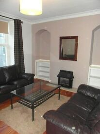 LARGE CENTRAL 2 BEDROOM WELL APPOINTED FULLY FURNISHED FLAT CLOSE TO UNIVERSITY