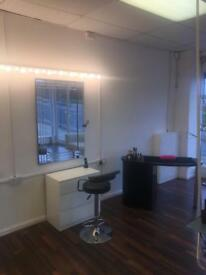 Make Up Station to rent