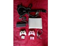 XBOX 360 + 16 GAMES + GUITAR AND POWER PACK CHARGER