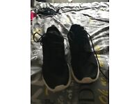 Men's size 11 Nike trainers