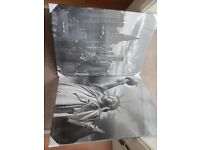 Art, canvas, 2 x New York pictures. £25