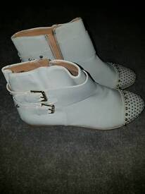 River Island Cream Ankle Boots size7
