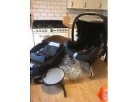 Maxi cozi car seat and isofix base