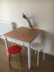 Dinning table and stools - House Clearance