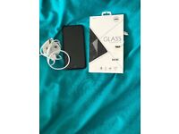 iPhone 7 32gb charger and screen protector p