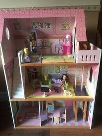 Children's Doll House, good condition.