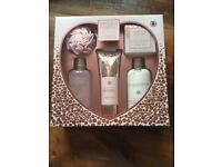 Baylis & Harding Pamper Set - Brand new.