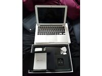 MacBook Air (11-inch, Early 2015) - Used for 4 Months, like new!