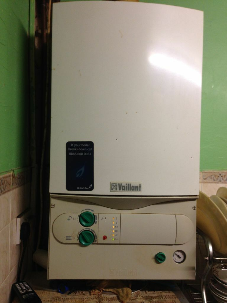 vaillant boiler turbo max 24e 8 years old in bedford bedfordshire gumtree. Black Bedroom Furniture Sets. Home Design Ideas
