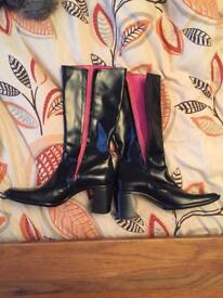 New size 6 black boots