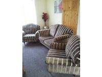 NEW GOLD LAURA ASHLEY 3 PIECE SUITE CAN DELIVER FREEEEEE