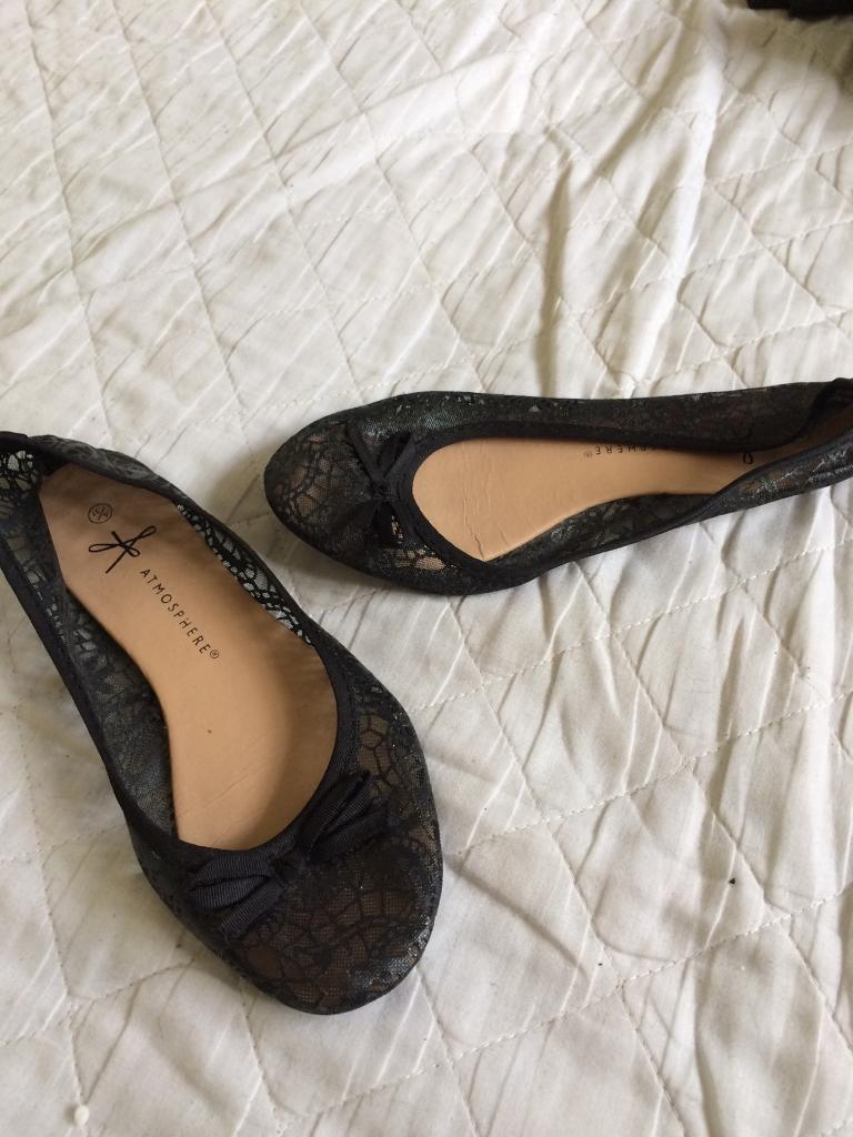 Womens shoesin Gorleston, NorfolkGumtree - Womens size 4 shoes been worn once , Womens Size 4 womens shoes