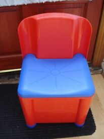 Kids chair with storage