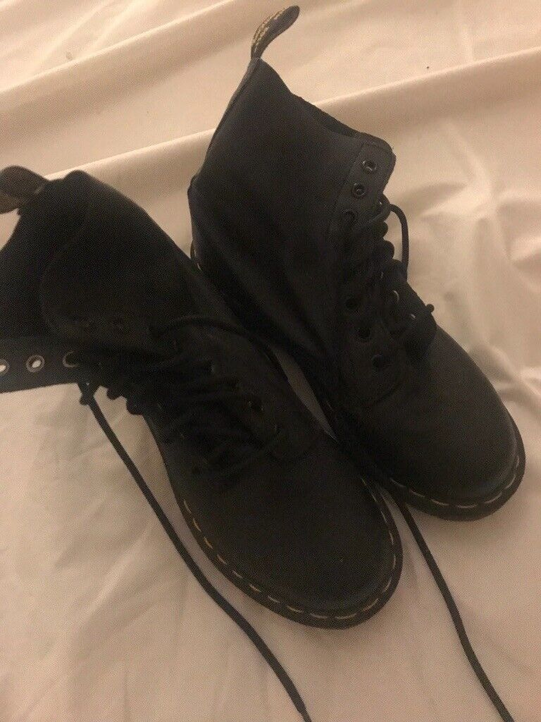 Doc Martens- size 5.5 never worn  20c27aa59