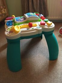 Leap Frog learn & groove table