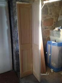 Howdens pine Bi-fold door