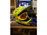 Medium size Full face Seven idp bicycle/extreme sports helmet with 100% goggles brand new