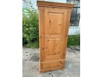 🚚🚚✅✅Beautiful Pine Single Wardrobe With Drawer For Sale Really Good Condition Free Delivery✅✅✅
