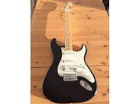 Fender Stratocaster Standard MINT with case and strap
