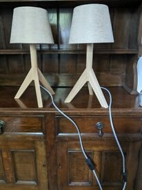 Pair of lamps for side table, excellent condition!