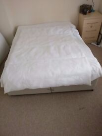 Set of duvets and pillows